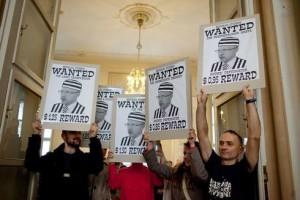 Bývalý primátor Andrej Ďurkovský patrí za mreže. zatiaľ na neho ruka spravodlivosti nesiahla... (zdroj: bratislava.sk)